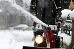 Odklízení sněhu v obci Držková