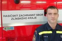 Jen několika hodinovou směnu si letos na Štědrý den střihl i čtyřiatřicetiletý zlínský profesionální hasič Ondra Macháček. Foto: archiv Ondry Macháčka