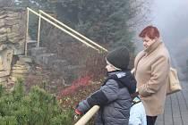 Návštěvníci v ZOO Lešná. Ilustrační foto