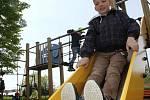 Nové dětské hřiště u ZŠ a MŠ v Tečovicích