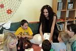 Vizovické děti šily maňásky, při tom natáčely