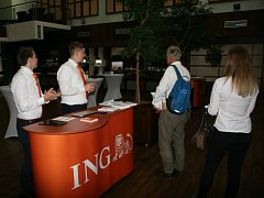 Oranžová tour ING Bank na své druhé zastávce ve Zlíně. První konference se konala v Ostravě. Během května a června zavítá do šesti měst republiky.