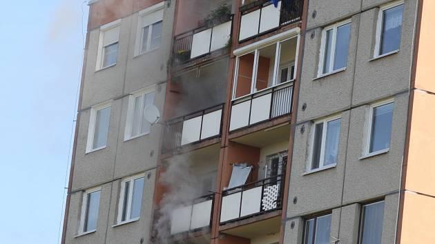 Zásah hasičů při požáru bytu ve Zlíně - Jižních Svazích.