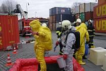 Cvičili zásah úniku nebezpečné látky z cisterny, po cvičení přišel ostrý výjezd