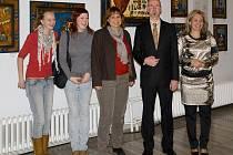 Oficiální zahájení výstavy ve zlínském divadle si nenechala ujít řada hostů. A nemuseli litovat.
