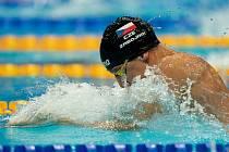 Zlínskému plavci Matěji Zábojníkovi na 200 metrů prsa uniklo semifinále jen o 9 setin sekundy, ale může se radovat z národního rekordu 2:12.32.