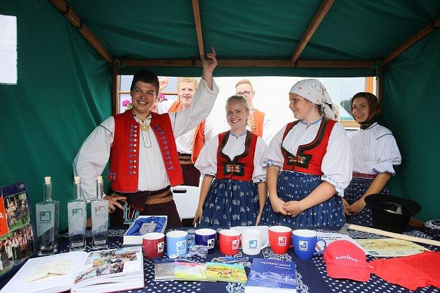 Hodnotící komise evropského kola vesnice roku v obci Kašava.Soubor Kašava
