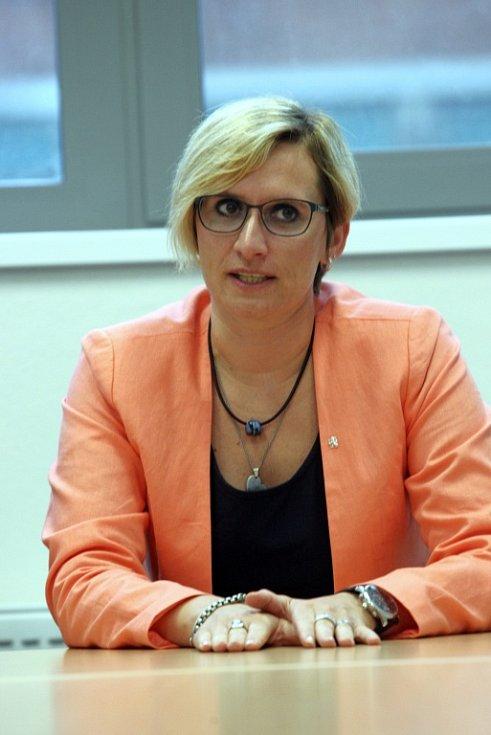 Ministryně   Karla Šlechtová ve Zlíně.