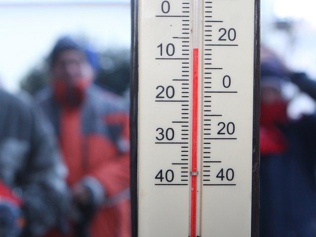 I přes den zůstává teplota silně pod bodem mrazu.