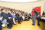 Robert Lee Fulghum se setkal se studenty Baťovy univerzity