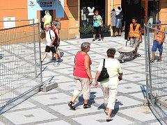 Oprava pěší zóny v centru Luhačovic. Foto z 11. srpna 2015