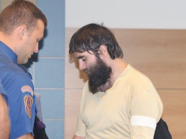 Při experimentování s opiáty přišel mladík o život – obžalovaný Evžen S. u krajského soudu ve Zlíně