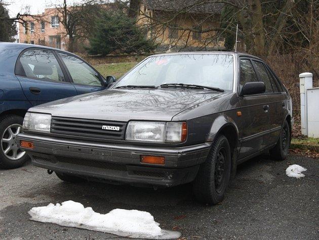 Vrak auta zn. Mazda v Březnici.