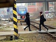 Přechod přes koleje nedaleko nádraží ve Zlíně.