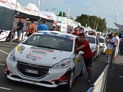 Fotografie z technické přejímky Barum Rally