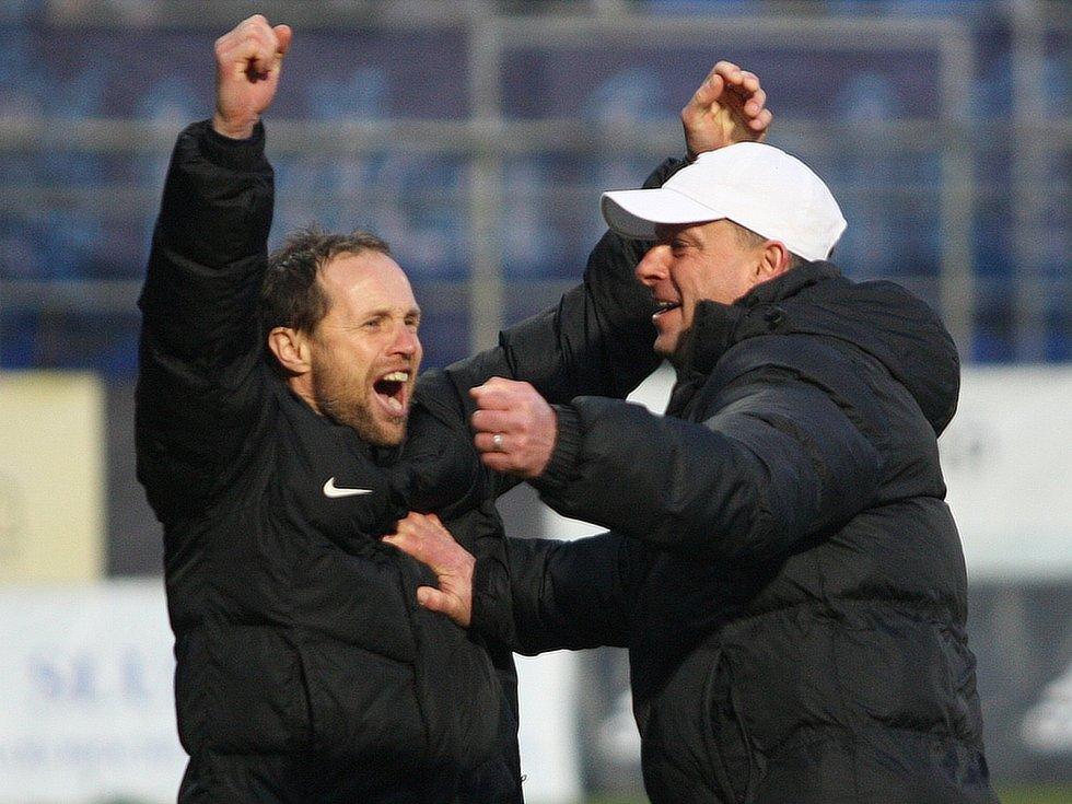Trenér Slovácka Martin Svědík (vpravo)