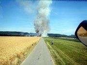 V Lukovečku shořelo téměř 3,5 hektaru obilí.