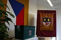 Volební místnost v Sazovicích