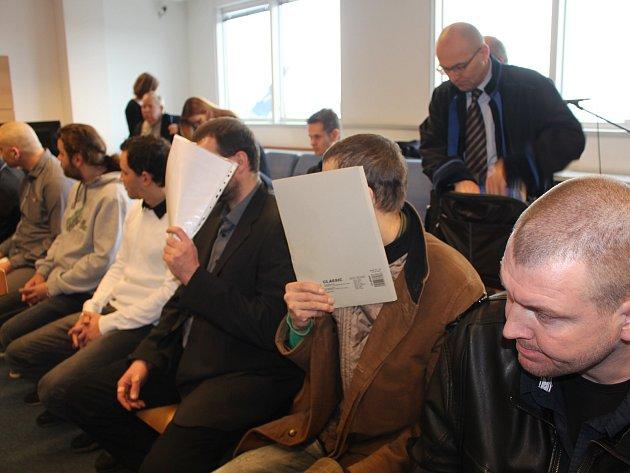 Výrobci drog z Polešovic a Nezdenic u krajského soudu ve Zlíně