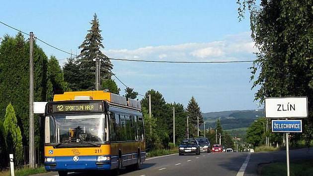 První cestující se mohli svézt nově zavedenou linkou městské hromadné dopravy ve Zlíně č.12 až do nedalekých Želechovic 1. dubna 2008. Dosavadní síť MHD se tak rozšířila o pět kilometrů a tři zastávky.