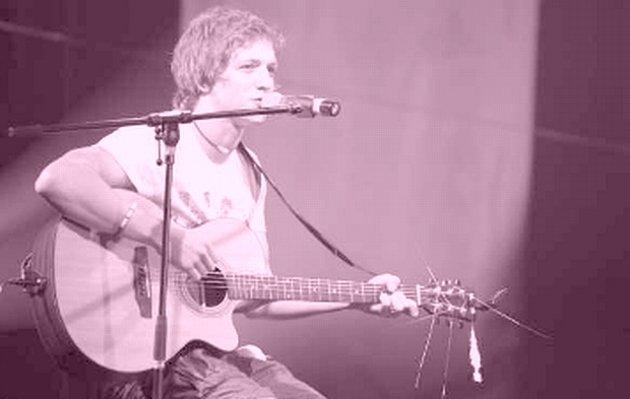 VÍTĚZ. Dvacetiletý Tomáš Klus zpíval s nadšením a jistotou.