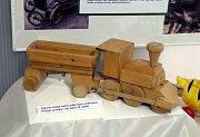Výstava  Retrohrátky,  galerie Alternativa, dřevěné hračky, autor Luděk Fiala okolo 1980
