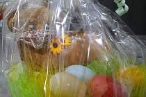 I velikonoční beránek má roušku.