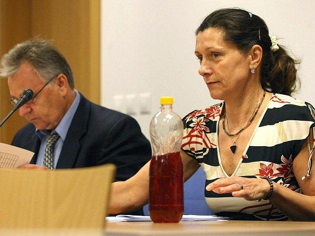 Bývalá učitelka Jana Slabá před soudem ve středu 19. srpna.