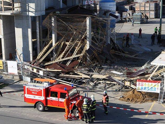 Havárie na stavbě v průmyslové zóně Příluky ve Zlíně.