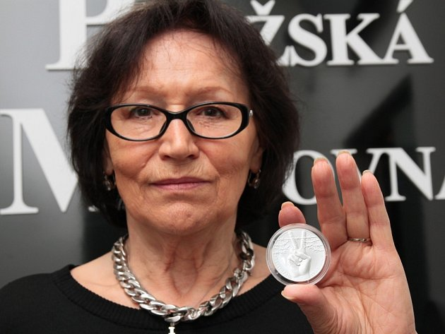 Marta Kubišová představila unikátní pamětní medaili