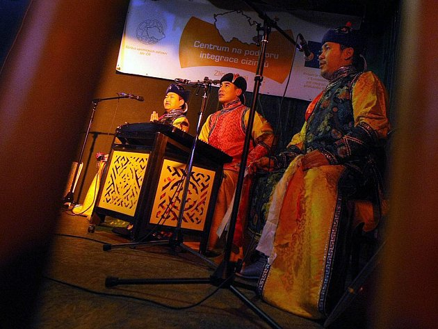 Ve zlínském klubu Bamboo se v úterý 30. listopadu setkali mongolští přistěhovalci s majoritní komunitou, aby jim představili svou kulturu.