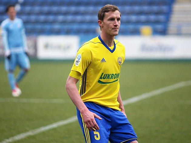Fotbalisté Zlína (ve žlutých dresech) v posledním přípravném zápase porazili Slovan Bratislava 3:2. Generálka se hrála na Letné.