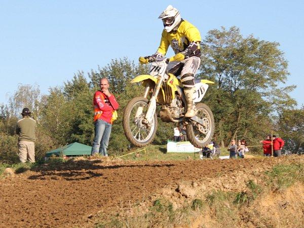 Vsobotu 13.října 2012se ve Žlutavě konal 9.motokrosový den.