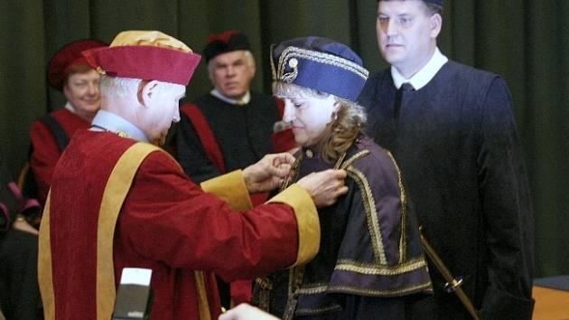 Nový děkan nahradí ve funkci Drahomíru Pavelkovou, které letos vyprší druhé čtyřleté funkční období.