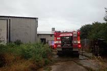 Požár technologického zařízení ve výrobním objektu v blízkosti zemědělského areálu v Kvítkovicích u Otrokovic 1.září 2020.
