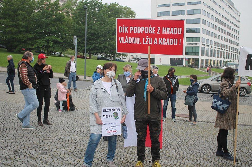 I ve Zlíně protestovali lidé proti premiérovi Andreji Babišovi. Demonstraci pořádala organizace Milion chvilek pro demokracii.