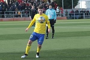 Osmnáctiletý zlínský fotbalista Jan Hellebrand se na trávník vrátí minimálně za dvě měsíce.