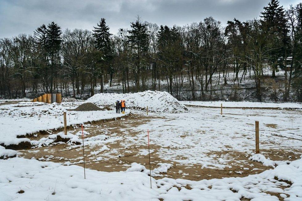 Závěr roku 2017 - zahájení stavby zahrady Karibuni