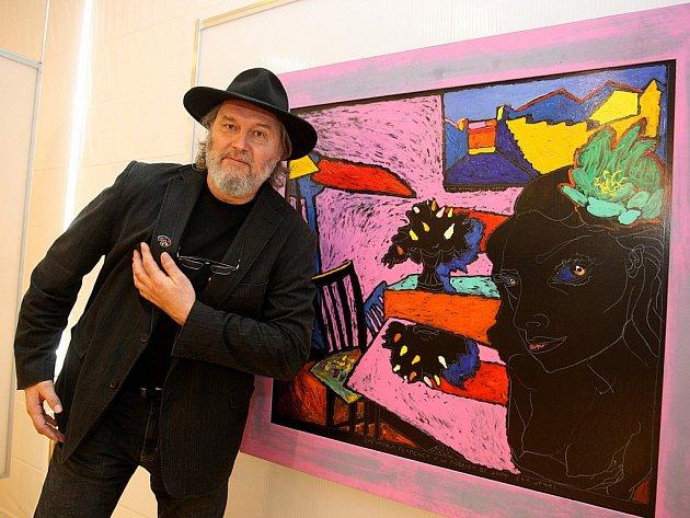 Výstava obrazů Borise Jirků v galerii Alternativa ve Zlíně. Na snímku autor Boris Jirků.