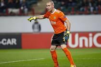 Zlínský gólman Stanislav Dostál v zápase s Lokomotivem Moskva