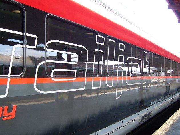 Jízda rakouským rychlovlakem Railjet byla nezapomenutelným zážitkem. Souprava cestovala z Rakouska do Ostravy na veletrh Raildays.