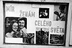 1976. U kulturního domu v obci byly v té době zbudovány vývěsní skříňky.