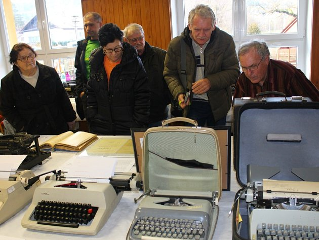 V Držkové se v pátek 19. a sobotu 20. února 2016 konala výstava psacích strojů.