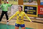 Interligové házenkářky Zlína (ve žlutém) proti Zoře Olomouc