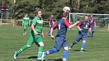 Béčko Mladcové (v modrých dresech) vs. Nedašova Lhota (zelení). Ilustrační foto