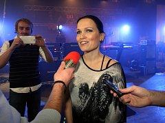 Tarja Turunen zkouší v Masters of Rock Café ve Zlíně.