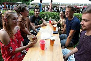 Hamburger fest v zámeckém parku ve Slavičíně, 24. 7. 2021