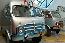 Pro milovníky aut je přístupné Technické muzeum TATRA v Kopřivnici na Novojičínsku. Na šedesát osobních a nákladních automobilů ze všech etap výroby doplňují podvozky, motory, modely, designérské návrhy, trofeje ze sportovních klání, fotografie a rarity.