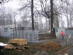 Stavba lanového centra v Otrokovicích