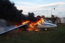 U letiště v Otrokovicích došlo k rozsáhlému požáru odstaveného letadla L 410.